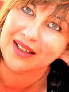 Mokrani-Laura-300x400-225x300
